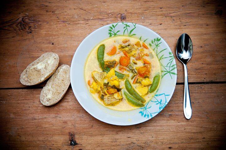 Recept: Fisksoppa med saffran och tomat